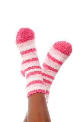 125781-283x424-pink-fuzzy-socks